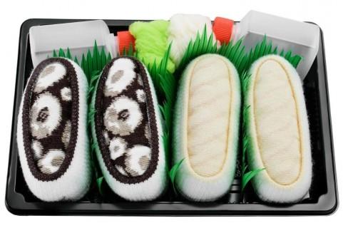 2 pairs -Nigirizushi with Salmon and Maki Cucumber