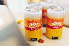 skarpetki w puszce, zimne piwo, kolorowe bawełniane skarpety wysokiej jakości