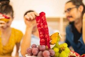czerwone skarpetki, sernik z wiśnią