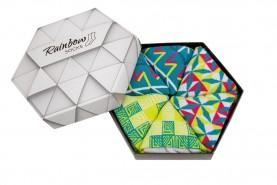 Kolorowe skarpetki w geometryczne wzory: zieleń